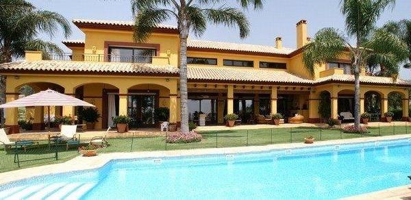 Sold: 10 Bedroom, 12 Bathroom Villa in La Quinta, Benahavis