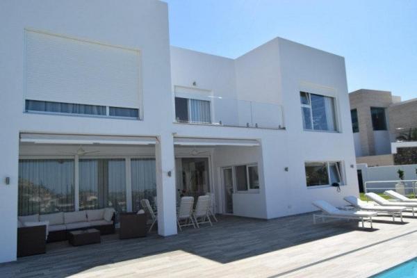 Sold: 4 Bedroom, 3 Bathroom Villa in La Quinta, Benahavis