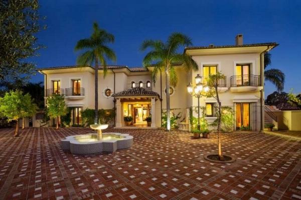 Sold: 11 Bedroom, 11 Bathroom Villa in La Quinta Golf, Benahavis