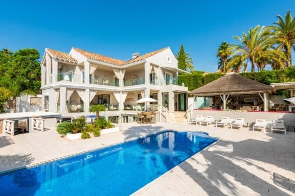Sold: 5 Bedroom, 4 Bathroom Villa in La Quinta