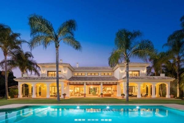Sold: 11 Bedroom, 11 Bathroom Villa in La Quinta, Benahavis